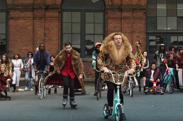 Macklemore on his way to the Stomp